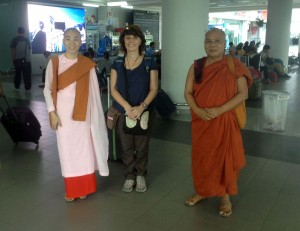 sayadaw,-nandamala,-clara-at-airport-1